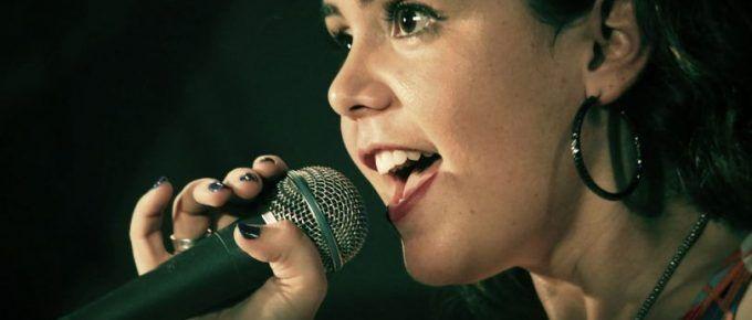 Estudio revela que la voz es más importante que las palabras