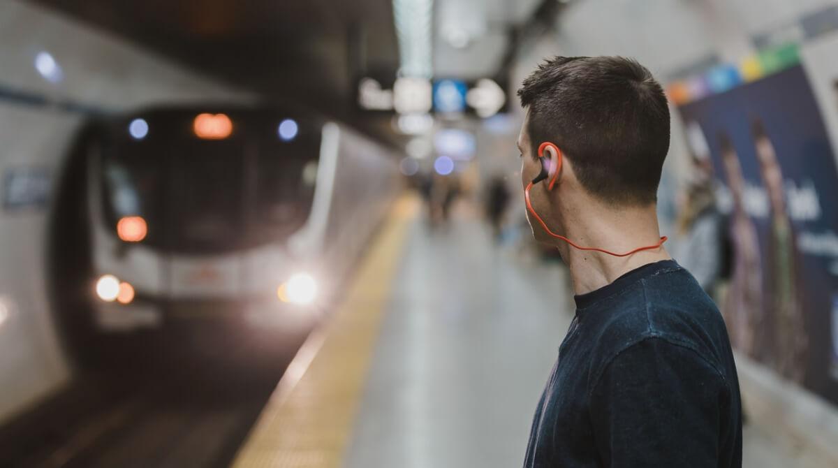 """Lo que le gusta a los """"súper oyentes"""" de podcasts"""