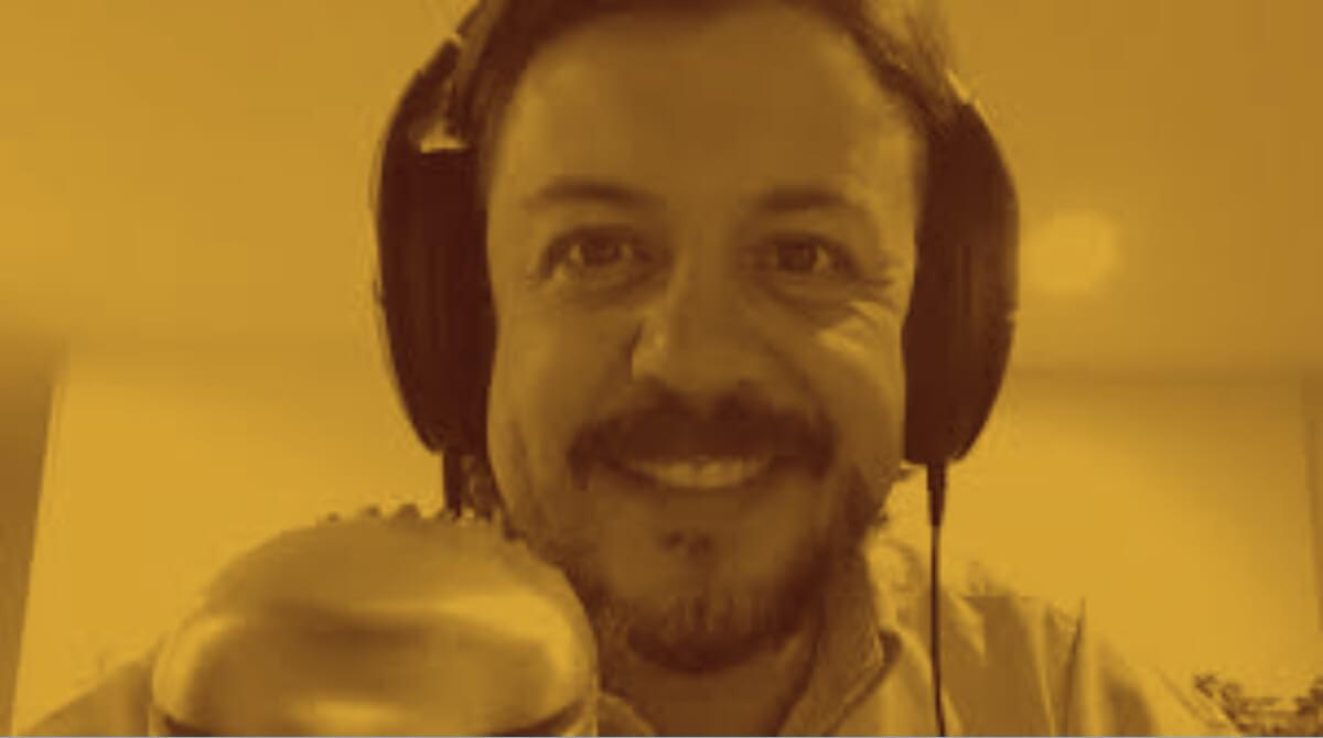 Rodrigo Llop Azul Chiclamino