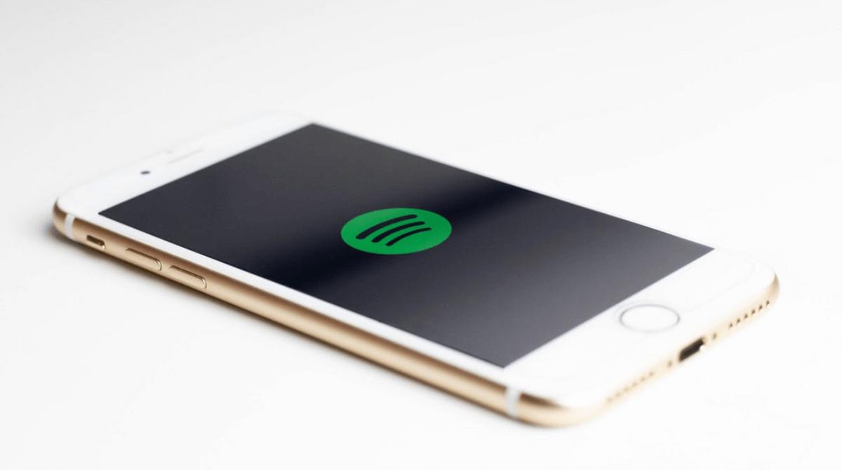 ¿Cómo tener a la vista los playlists de tus podcasts favoritos en Spotify?