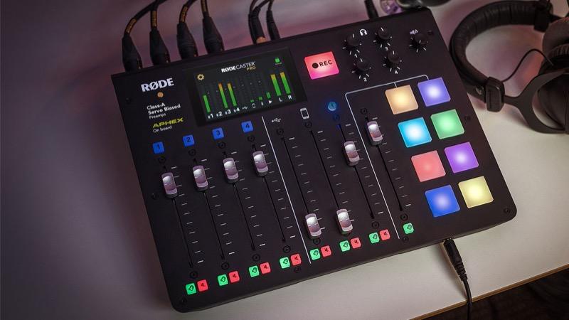 RØDECaster Pro - Studio: una innovación que facilita crear podcasts
