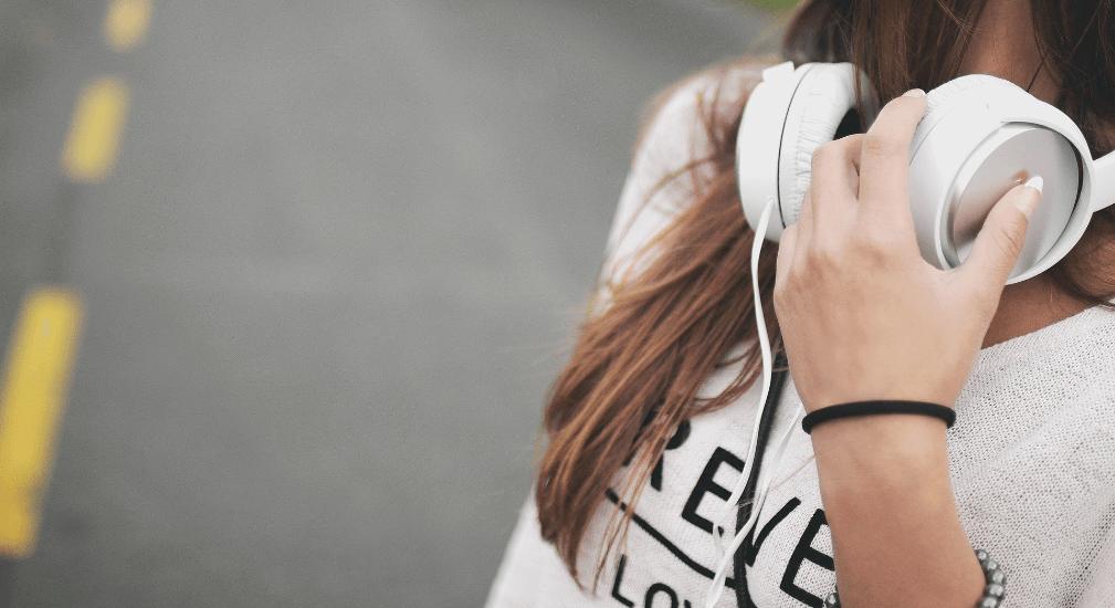 Aumenta la escucha de podcasts entre las mujeres