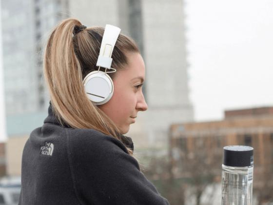 ¿Cuáles son las principales diferencias entre los hábitos de escucha de podcasts?