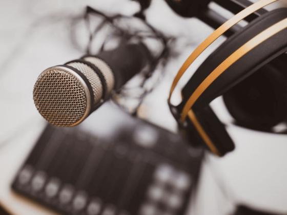 ¿Cómo convertir un pódcast en un medio publicitario de éxito?