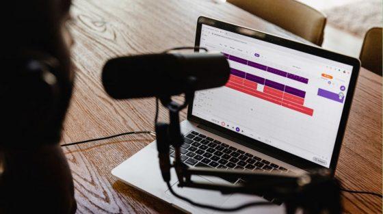 Informe de Voxnest: crecimiento de podcasts en español y en portugués