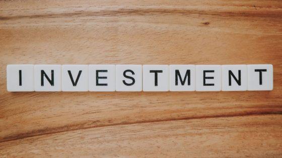 Omnicom, inversión de $20 millones en anuncios de pódcast