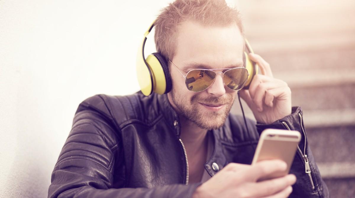 Aumenta la escucha de podcasts a 10.5 horas por semana