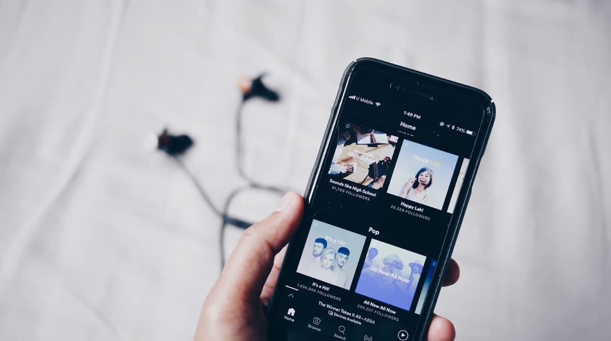 Spotify experimenta desaceleración de suscripciones
