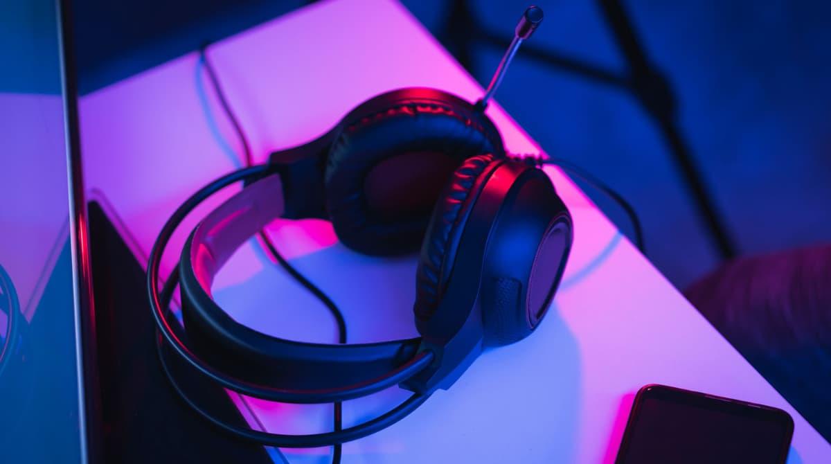 Nielsen revela quienes están escuchando más pódcast y los que han reducido la escucha